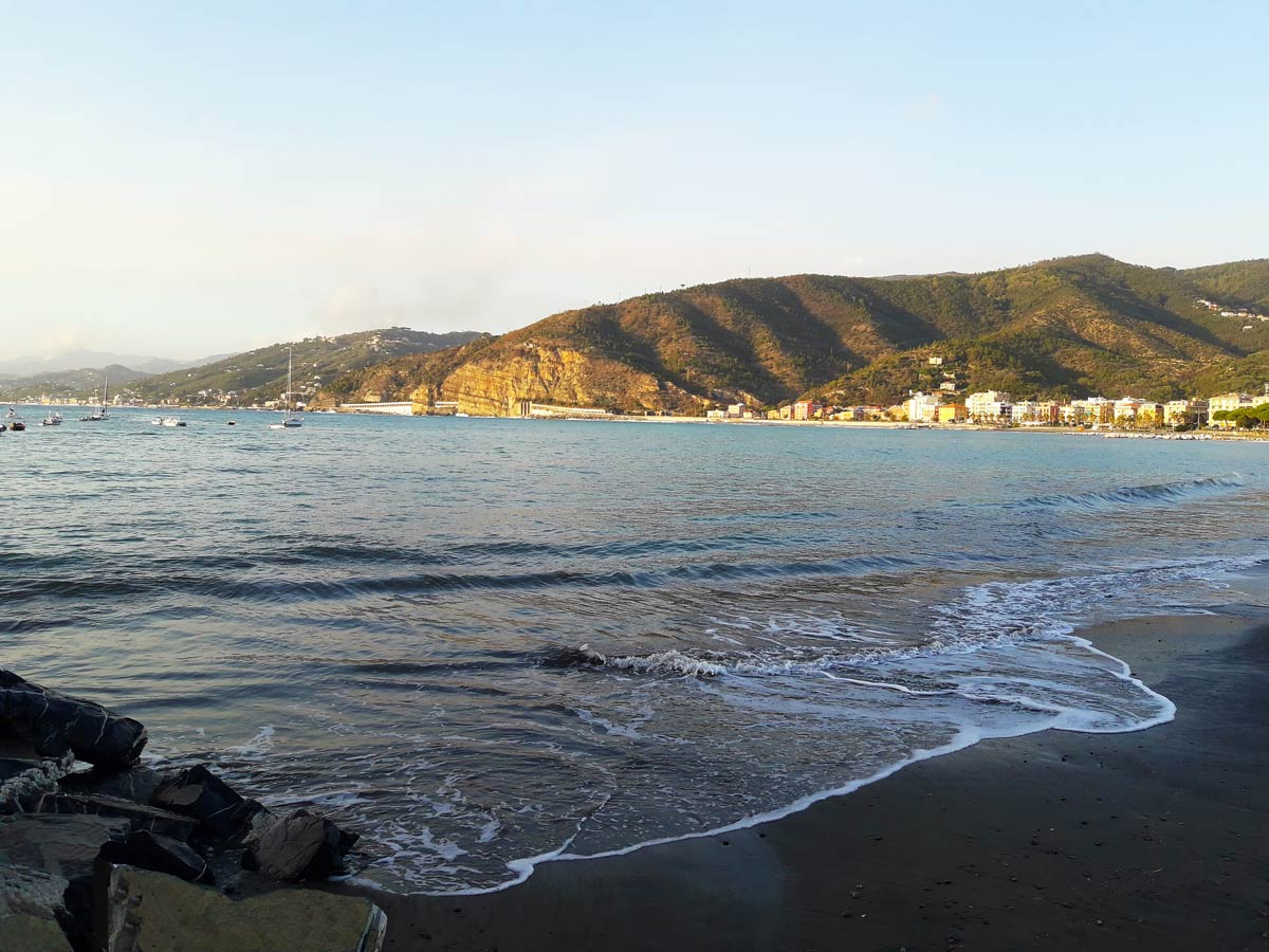 Matrimonio Spiaggia Sestri Levante : Sposarsi a sestri levante un matrimonio romantico davanti